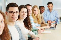 Classe di studenti in università Immagini Stock Libere da Diritti