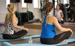 Classe di rilassamento di yoga Fotografia Stock
