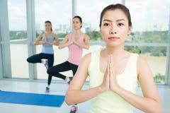 Classe di yoga Immagine Stock Libera da Diritti