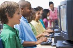Classe do computador da escola primária Fotografia de Stock Royalty Free
