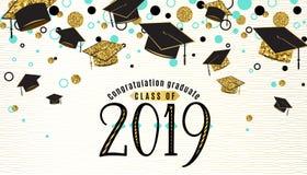 A classe do fundo da graduação de 2019 com tampão graduado, preto e cor do ouro, pontos do brilho em uma linha dourada branca lis ilustração stock