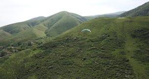 Classes do parapente Tiro de um zang?o, do ar paragliding vídeos de arquivo