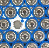 Classez les batteries d'aa avec le positif et un négatif Images libres de droits