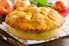 Classic American apple pie. Royalty Free Stock Images