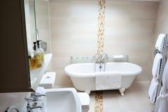 Classic bathroom interior Royalty Free Stock Photography