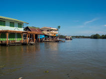 Classic building beside river ia Amphawa Royalty Free Stock Photos
