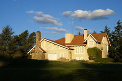 CLASSIC HOUSE. A beautifull house with a garden Stock Photos