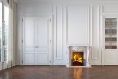 Free Classic White Empty Interior With Fireplace, Moldings, Wall Pannel, Window, Door. Royalty Free Stock Photography - 171528737
