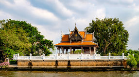 Classical Thai architecture. On Chao Phraya River in Bangkok, Thailand Royalty Free Stock Photos