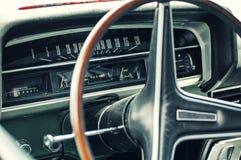 Classicar汽车仪表板 库存图片