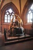 Classicism et religion. Statue à l'intérieur de l'église Photographie stock