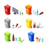 Classificando e reciclando o desperdício Cestas do lixo e plástico, restos da produção orgânicos, de vidro Ícones isométricos do  ilustração stock