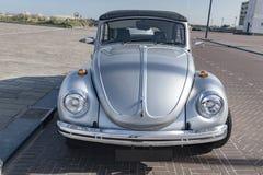 Classique VW d'automobile de transport rétro parking photographie stock libre de droits
