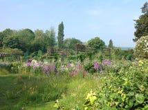 Claude Monets trädgård Arkivfoton