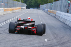 Claus Bertelsen in einem Formel 1-Rennwagen Ferraris Jean Alesi lizenzfreies stockbild