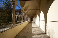 Claustro antigo em Belluno fotografia de stock royalty free