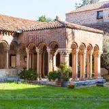 Claustro de Basilica di San Zeno en la ciudad de Verona Foto de archivo libre de regalías
