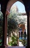 Claustro de la abadía cerca de Basilica di San Zeno Imagen de archivo