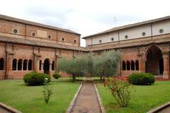 Claustro de la abadía de Clairvaux de la paloma en la provincia de Parma en Italia Imagen de archivo