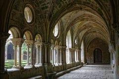 Claustro de la abadía de Fontfroide Imagenes de archivo