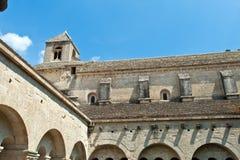 Claustro de la abadía de Senanque, Vaucluse, Gordes Foto de archivo