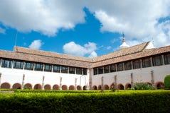 Claustro de la abadía en Portugal Fotos de archivo libres de regalías