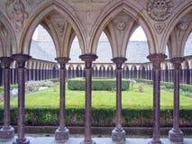 Claustro de la abadía, Mont Saint Michel, Normandía, Bretaña, Francia Fotografía de archivo libre de regalías