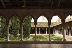 Claustro de la iglesia de Jacobins en Toulouse, fotos de archivo libres de regalías