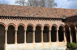 Claustro de una abadía antigua en San Zeno Basilica en Verona Ital Imagenes de archivo