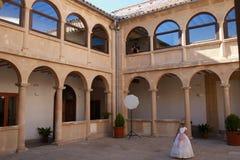 Claustro del convento de Sabiote, pueblo de Jaén, en Andalucía fotos de archivo libres de regalías