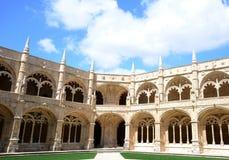 Claustro del monasterio de Jeronimos Fotos de archivo libres de regalías