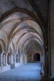Claustro en abadía Imagen de archivo libre de regalías