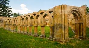 Claustro gótico de San Juan de Duero Monastery en Soria foto de archivo