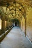 Claustros de la abadía de Lacock (retrato) Fotos de archivo libres de regalías