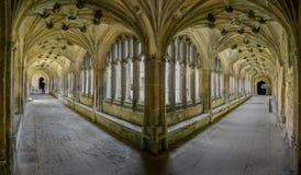 Claustros en la abadía de Lacock, Wiltshire, Reino Unido Imagenes de archivo