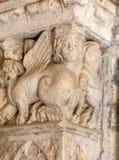 Claustros en la abadía de San Pedro en Montmajour cerca de Arles, Foto de archivo