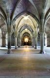 Claustros góticos de la iglesia Fotografía de archivo libre de regalías