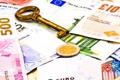 Clave al dinero Foto de archivo libre de regalías
