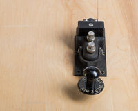 Clave de telégrafo antiguo en un escritorio Foto de archivo