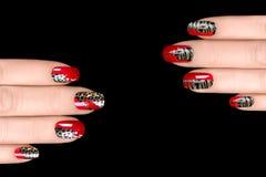 Clave el arte Etiquetas engomadas del esmalte de uñas con el estampado de animales Foto de archivo