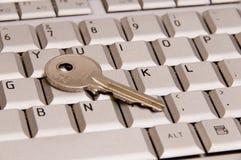 Clave en el teclado de la computadora portátil Imagen de archivo libre de regalías