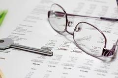 Clave financiero del informe al éxito imágenes de archivo libres de regalías