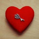 Clave a un corazón Fotografía de archivo libre de regalías
