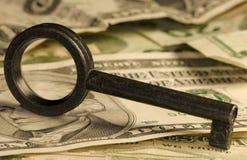 Clave y dinero Fotografía de archivo libre de regalías