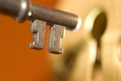 Clave y ojo de la cerradura Fotos de archivo libres de regalías