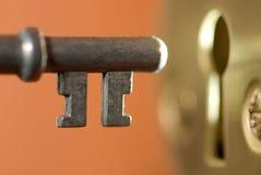 Clave y ojo de la cerradura foto de archivo libre de regalías