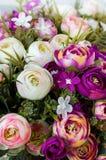 Claveles de las rosas de las flores artificiales Imagenes de archivo