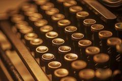 Claves antiguos de la máquina de escribir Fotos de archivo libres de regalías