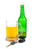 Claves de la cerveza y del coche Imagenes de archivo