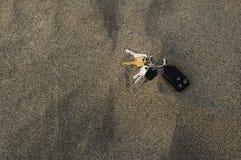 Claves perdidos en arena Fotografía de archivo libre de regalías